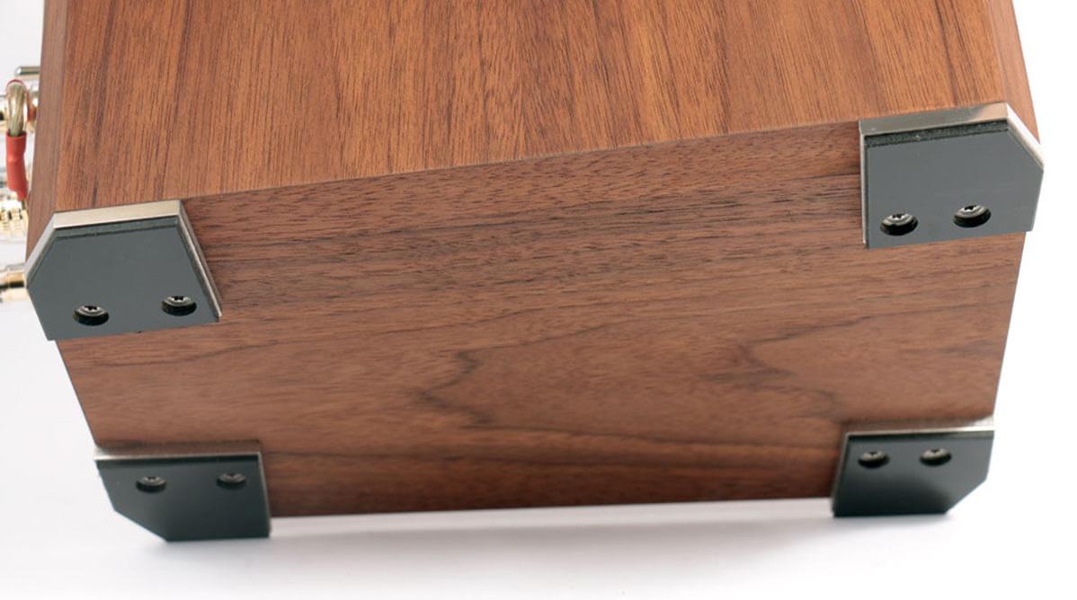 6moons audioreviews quadral aurum galan 9. Black Bedroom Furniture Sets. Home Design Ideas