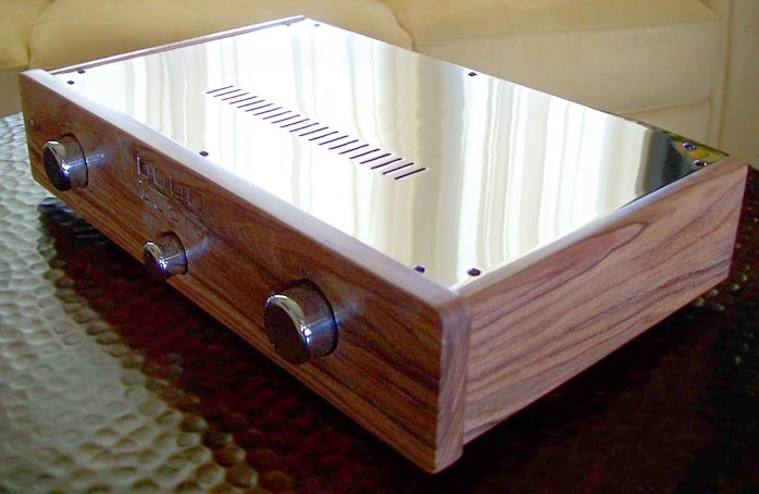 6moons audio reviews: Dodd battery-power tube preamp
