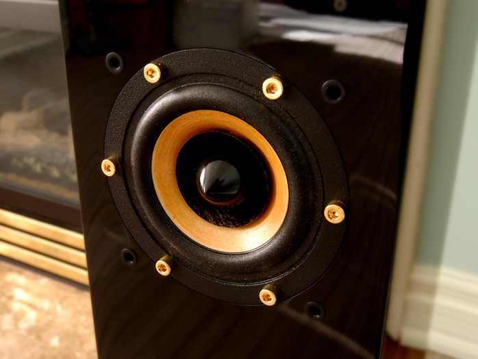 6moons audio reviews: John Blue Audio Art JB3F